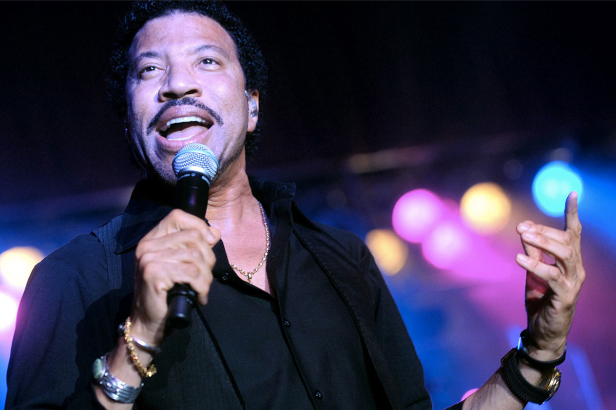 Lionel Richie – All the hits, all night long!